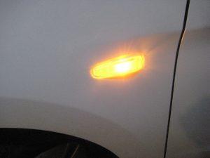 Mengganti Lampu Penanda Sisi Depan Mitsubishi Mirage