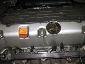 Mengganti oli mesin dan filter oli Honda CR-V