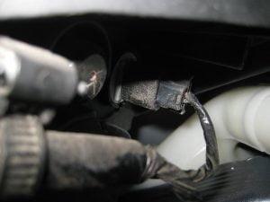 Mengganti Bola Lampu Tanda Sisi Depan Honda CR-V