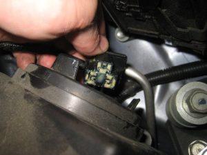 Mengganti Bola Lampu Kepala Honda CR-V