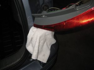 Mengganti Bola Lampu Tanda Mundur Honda CR-V