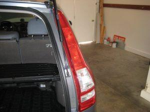 Mengganti Bola Lampu Tanda Sisi Belakang Honda CR-V