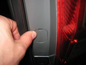 Mengganti Bola Lampu Tanda Belok Bagian Belakang Honda CR-V